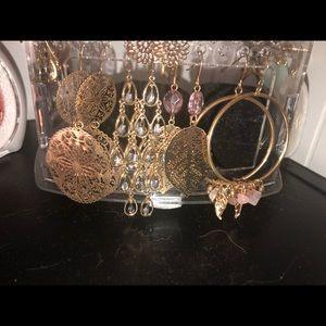 4 pairs of earrings!